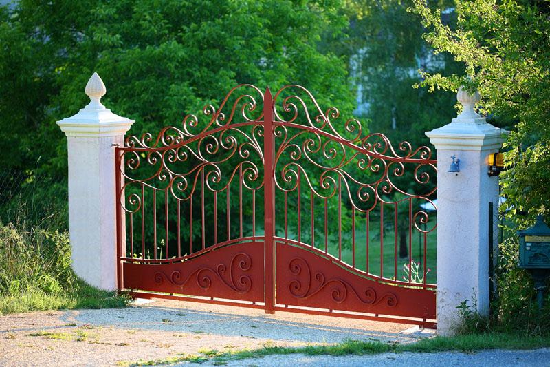 81fbd54f7b81f Votre portail en fer forgé peut se décliner dans différentes formes    droite